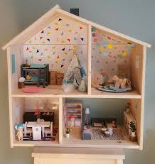 dolls house furniture ikea. Modern Dollhouse, Poppenhuis, Ikea Flisat, Dollhouse Renovation, Hack Dolls House Furniture 2