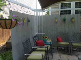 diy building an outdoor room with a privacy fence