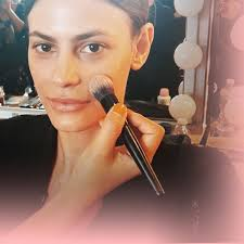 mac makeup luxury how to apply foundation like a professional makeup artist