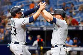 Mariners use Big Inning to defeat Rays ...