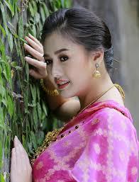 แบบทรงผมเจาสาวผมสน ทเหมาะสำหรบการสวมใสชดไทย All