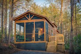 tiny house log cabin. Green River Log Cabins Builds Custom Park Models In 3 Weeks Tiny House Cabin