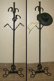 Horse Coat Rack A note about horseshoe LETTERS consider each letter to weigh about 35