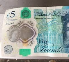 Fake 20 Pound Note Under Uv Light Shoppers Warning After Being Handed This Fake 5 Note But