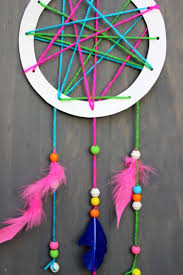 How to make a dream catcher for kids on jane-can.com! A