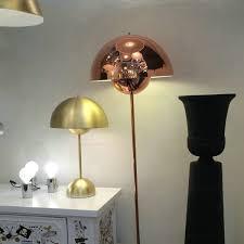 more views flowerpot vp3 table lamp