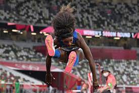 La atleta venezolana yulimar rojas consiguió este viernes su pase a la final por las medallas en la disciplina de salto triple de los juegos olímpicos tokio 2020. G5tdfh5ngb2mpm