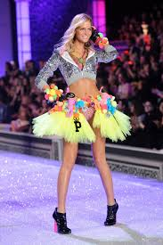 erin heatherton to eat or not to eat this is the question just new york ny 09 model erin heatherton walks the runway during the