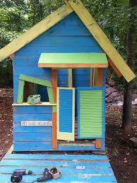 diy pallet playhouse 31 free diy playhouse plans to build for your kids secret hideaway
