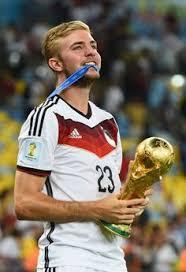 Fast 35 millionen zuschauer haben gesehen, wie der deutsche nationalspieler nach einem. 900 Die Mannschaft Wm 2014 Ideen In 2021 Wm 2014 Fussball Dfb