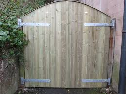 dressed double arched top gates