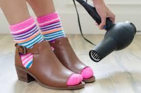 leren schoenen uitzetten