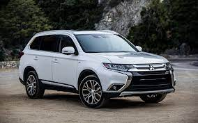 Download Wallpapers Mitsubishi Outlander 2018 White Crossover New Outlander Facelift Japanese Cars Mitsubishi Besthqwallpapers Com Mitsubishi Outlander Outlander Outlander Phev