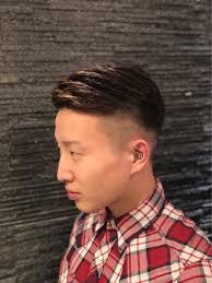 最近流行ってきているフェードスタイルですとてもイカした髪型です