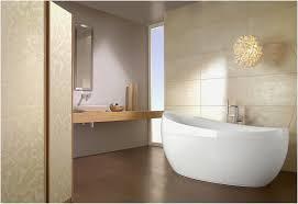 Luxus Badezimmer Mit Dusche Und Holzdecke Stockfoto Luxus