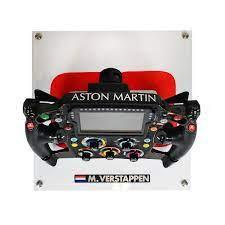 Der ferrari v6 turbo motor für die formel 1. 2018 Max Verstappen Red Bull Racing Race Used F1 Steering Wheel Racing Hall Of Fame Collection