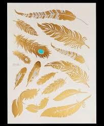 Dočasné Tetování V Designu Pírek Ve Zlaté Barvě