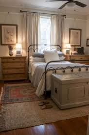 Magnificient farmhouse master bedroom decor design ideas Stylish Beautiful Rustic Farmhouse Master Bedroom Ideas 33 Atlantasalons Unique Interior Design Beautiful Rustic Farmhouse Master Bedroom Ideas 33 Decor Object