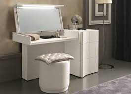 white makeup desk vinity