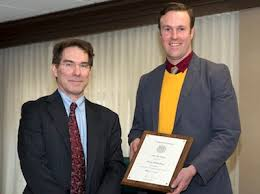 Photo: Chris Schlichting Chris Schlichting joined the University advising community in 1999 as a pre-major adviser in the College of Liberal Arts. From ... - schlichting-mcmaster