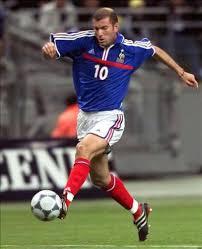Toldo suffers after wiltord claims the equaliser. Zinedine Zidane Eurocopa 2000 Balon De Oro Y Campeon