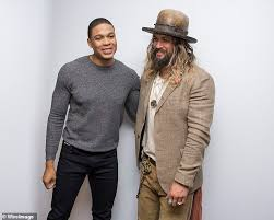 Victor stone/cyborg in batman v superman: Jason Momoa Says Serious Stuff Went Down As He Backs Ray Fisher Over Claims Of Abusive Behavior Daily Mail Online