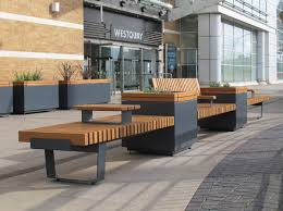 railroad rrp2t 7070 72 freestanding 700mm square planters in mid position of straight seating