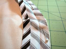 Bias Binding Tutorial: Figuring Yardage, Cutting, Making ... & Attaching bias binding to a curved edge Adamdwight.com