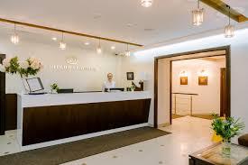 Diplomat Closet Design Reviews