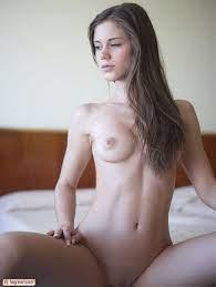 Hot Brunette Teen Pics