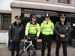 dating police officers uk