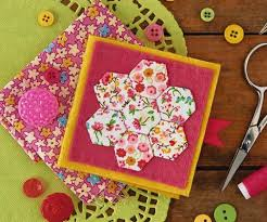 How to make hexagons for quilts - Love Patchwork & Quilting & How to make hexagons needlecase Adamdwight.com