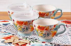 Whatever you call it, caffeine lovers can agree that coffee is liquid gold and keeps the world spinning—just ask ree drummond. Set Of 4 Pioneer Woman Jumbo Cups W Lids 12 At Walmart Pioneer Woman Dishes Pioneer Woman Kitchen Pioneer Woman