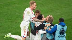 Dänemark besiegt russland am montagabend vor heimischer kulisse mit 1:4 und qualifiziert sich für das achtelfinale. Saanxartf20a2m