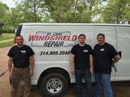 st louis windshield repair replacements 12 photos 29 reviews windshield installation repair 8730 watson rd saint louis mo phone number