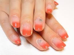 ネイリストが教える爪の形に合わせたネイルアートのデザイン