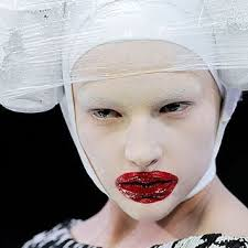 i found these looks very inspiring and unique because of how mcqueen uses cans and diffe materials to