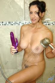Mature Busty MILF in Bath Image Gallery 18895