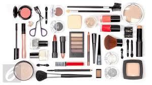 menggunakan kuas makeup bagi pemula