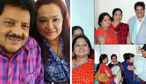Shocking! Udit Narayan married second wife without informing the first;  threated to commit suicide on going public (Throwback) - IBTimes India