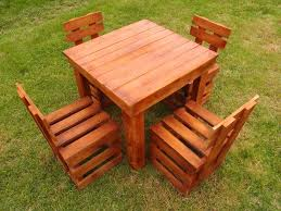 diy pallet outdoor dinning table. lowcost wooden pallet garden sitting set diy outdoor dinning table