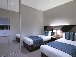 2 bedroom hotels melbourne cbd. actual photos of a two bed deluxe 1 bath wyndham hotel melbourne 2 bedroom hotels cbd
