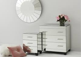 mirrorred furniture. HOW TO DECORATE WITH MIRRORED FURNITURE? Mirrorred Furniture