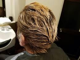 次の髪型は金髪おすすめの金髪ヘアスタイル10選