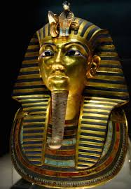 tutankhamun s tomb innermost coffin and death mask article  tutankhamun s tomb innermost coffin new kingdom 18th dynasty c 1323 b c e gold inlay of e l and semiprecious stones ian museum cairo