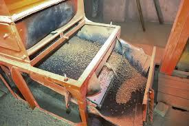 ГЛХУ Толочинский лесхоз  Было время когда пеллетное производство работало у нас круглые сутки Из за этого случались частые поломки оборудования рассказывает главный инженер