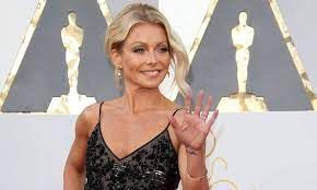 Kelly Ripa steals the show in the ...