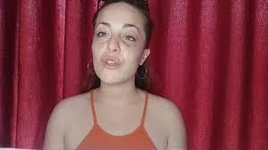 Giuliana Danzè mostra il viso tumefatto: aggredita dal compagno