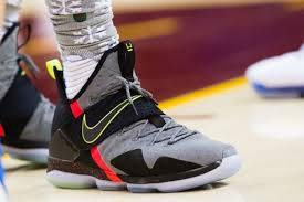 lebron shoes 2017 kids. lebron james nike 14 on-foot lebron shoes 2017 kids m
