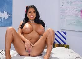 Sexy Actress Sonakshi Sinha Naked Busty Boobs Ass Pussy Photos